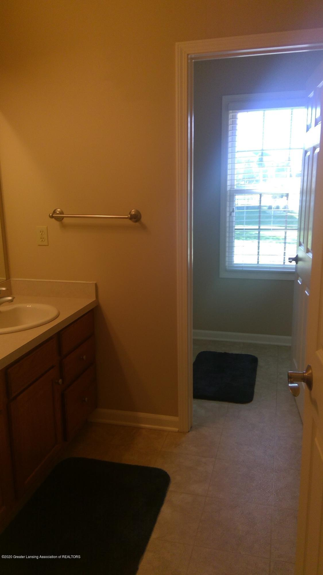 1207 Sunrise Dr - Bathroom 3 - 44