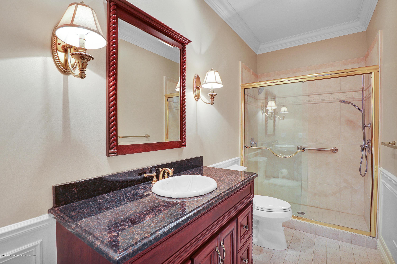 6143 E Longview Dr - guest bathroom - 26