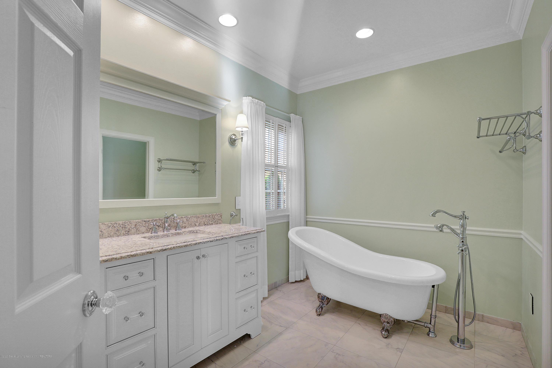6143 E Longview Dr - master bath - 20