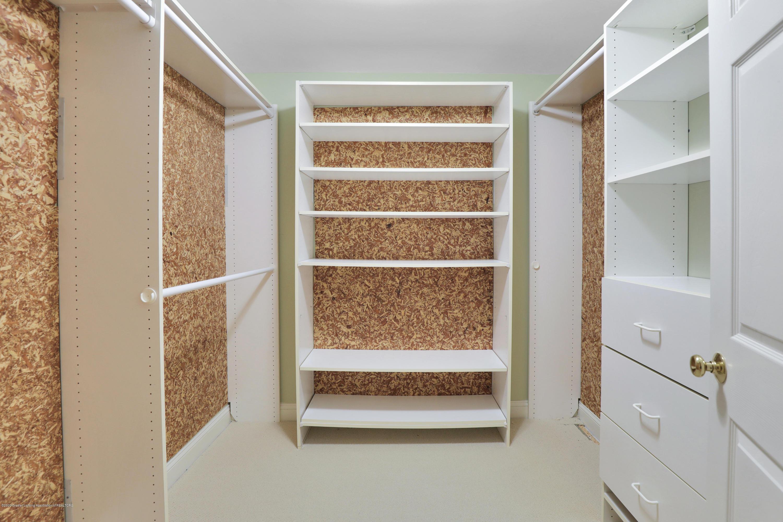 6143 E Longview Dr - cedar closet - 35