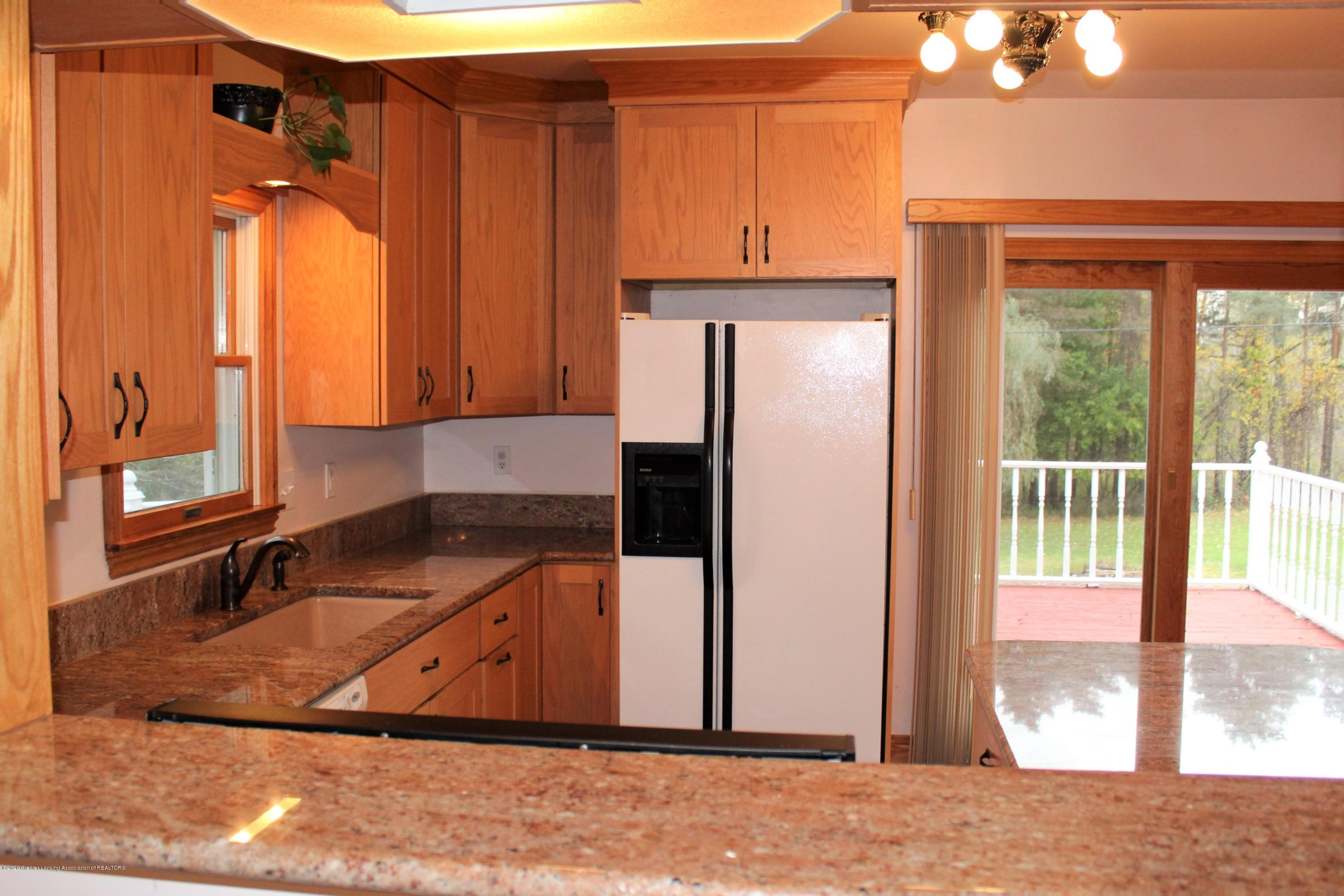 7682 Laingsburg Rd - DIINING RM TO KITCHEN - 21