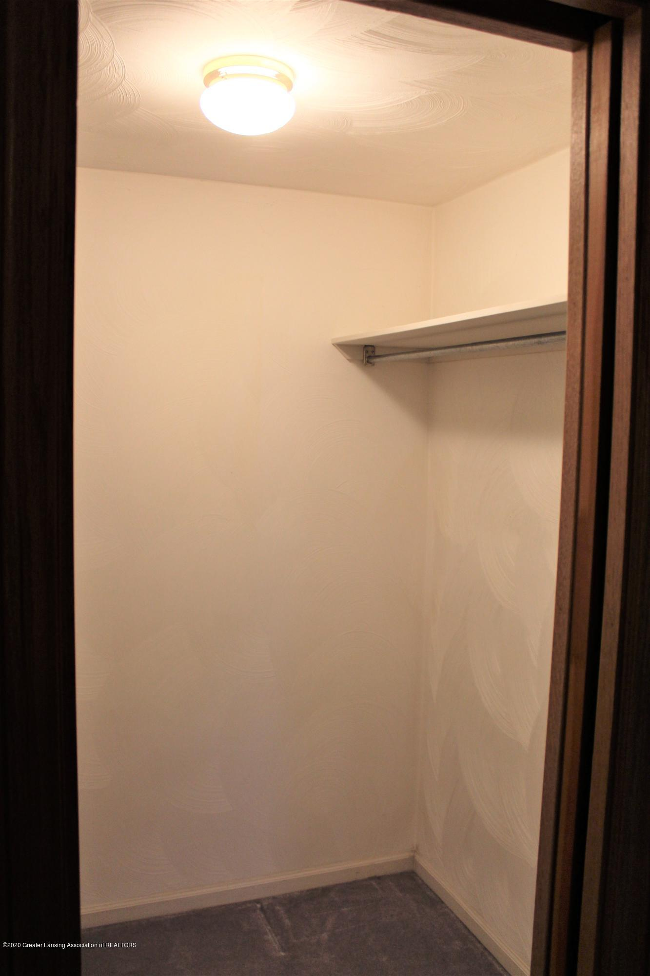 7682 Laingsburg Rd - HIS AND HER CLOSETS - 38