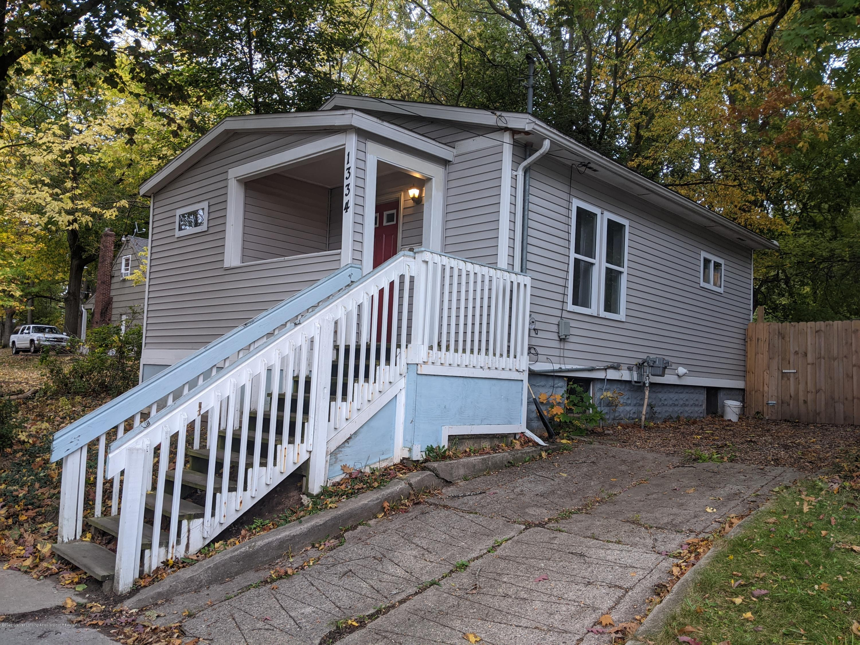 1334 Walsh St - Front of Home - 1