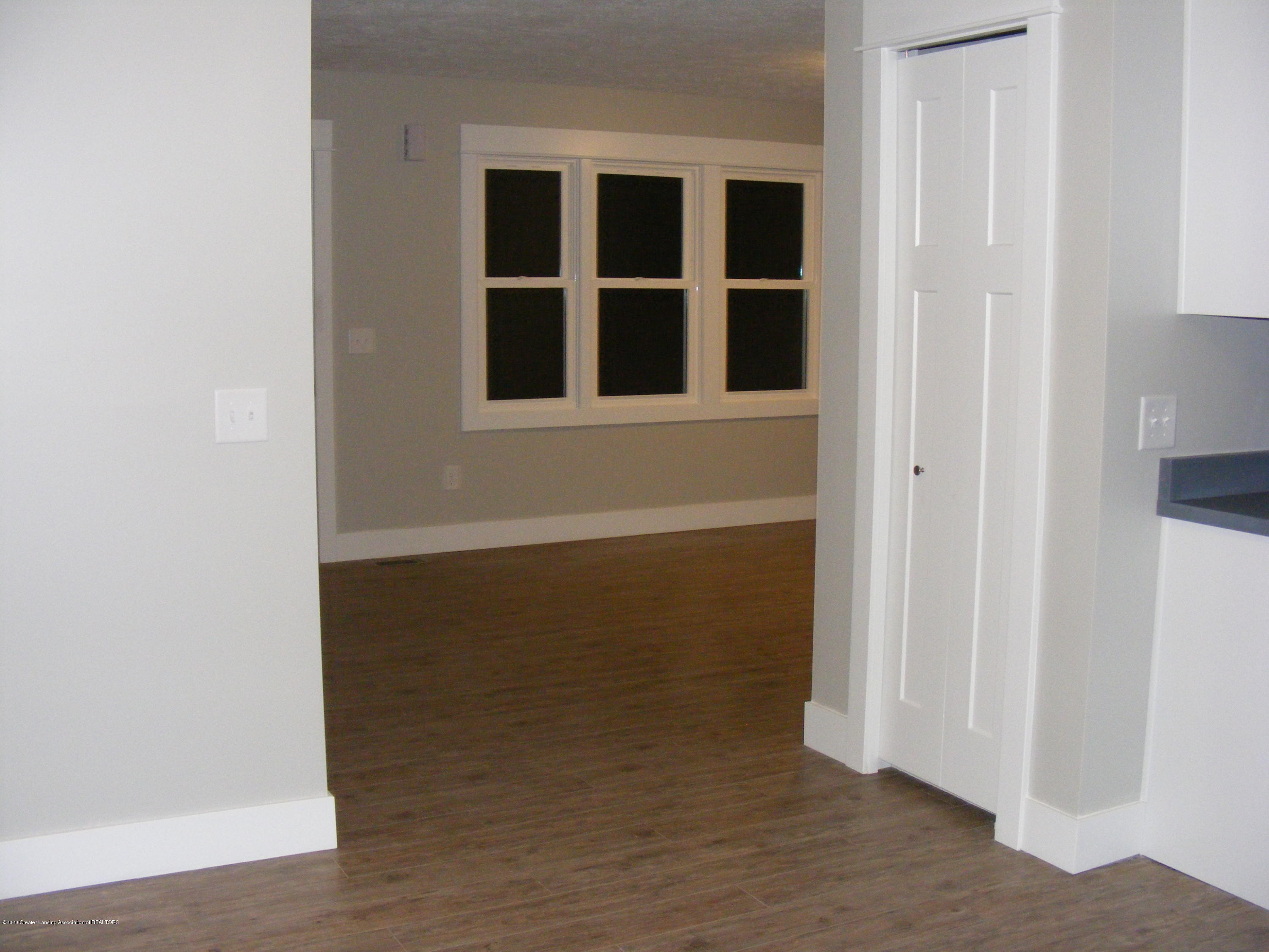 8061 Walters Hwy - living from dining - 13