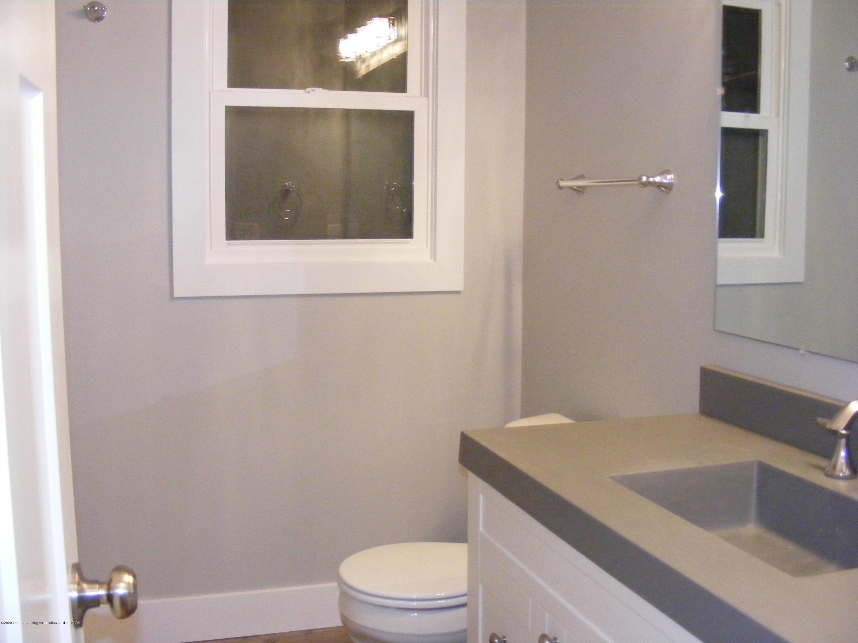 8061 Walters Hwy - main bath - 22