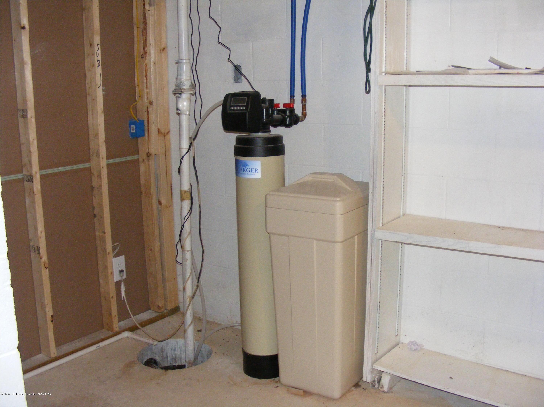 8061 Walters Hwy - new water softener - 28
