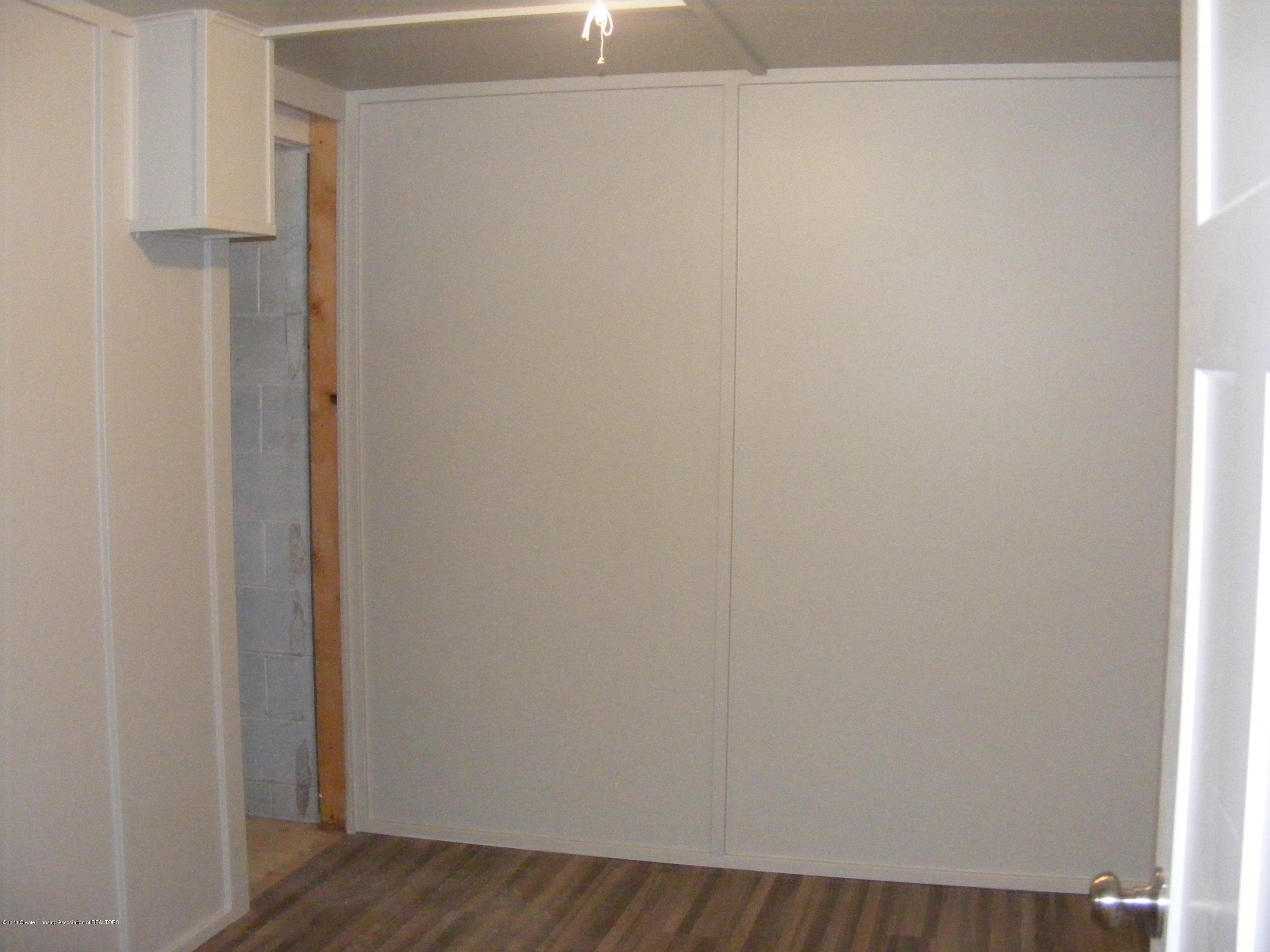 8061 Walters Hwy - office-craft area in basement - 29