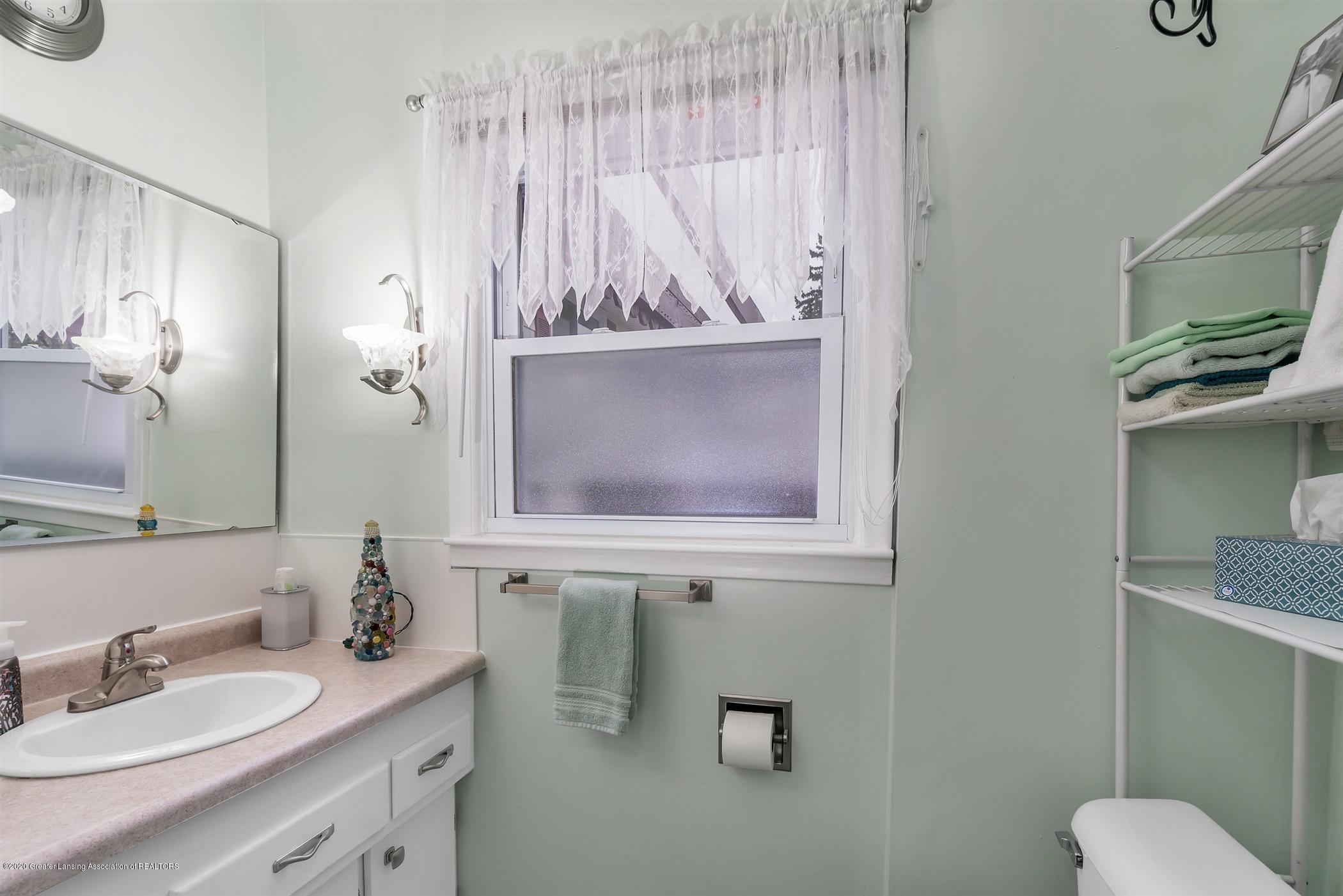 4385 Holt Rd - 27-4385 Holt Rd.-WindowStill-Real-E - 27