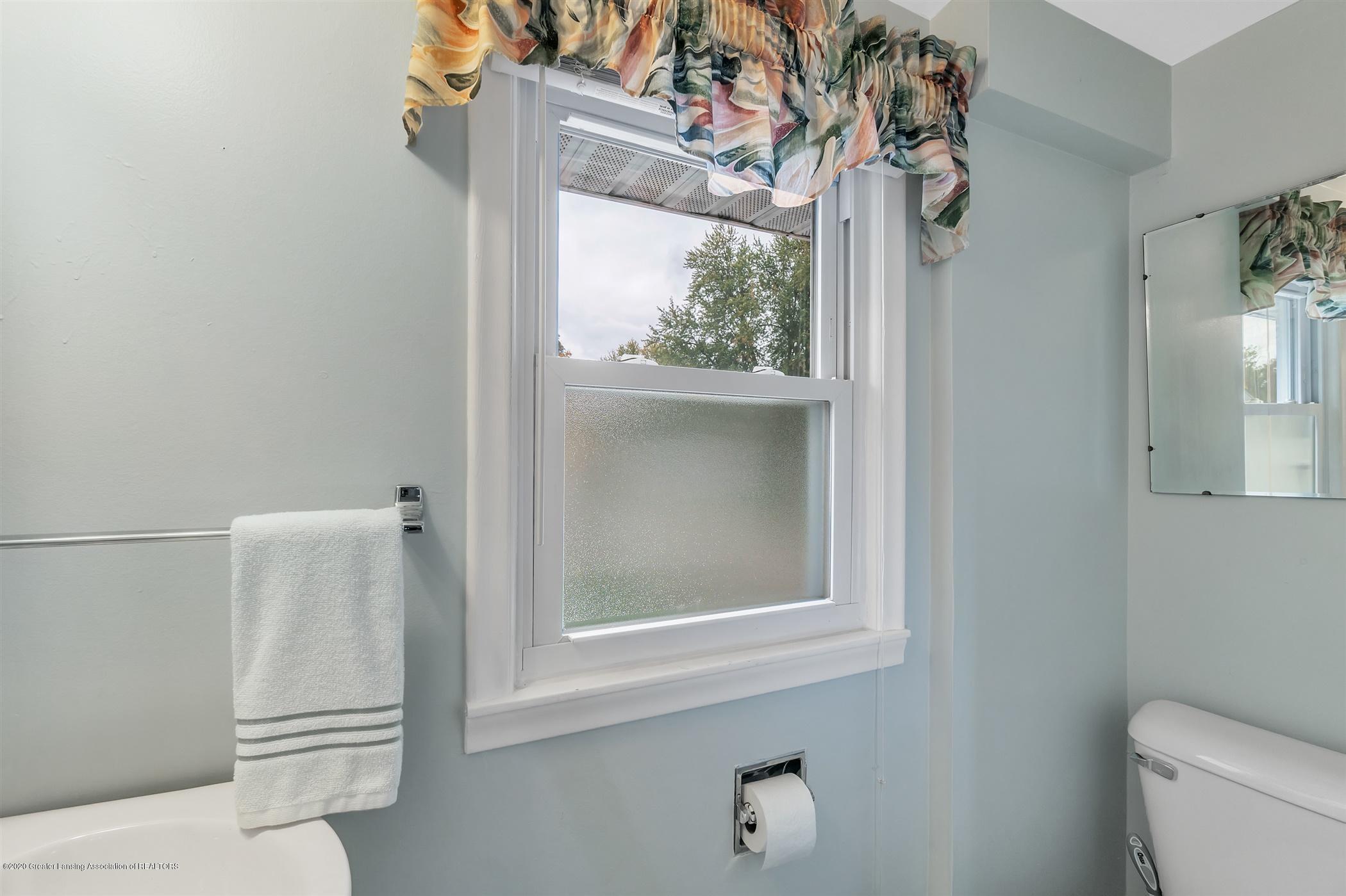 4385 Holt Rd - 41-4385 Holt Rd.-WindowStill-Real-E - 41
