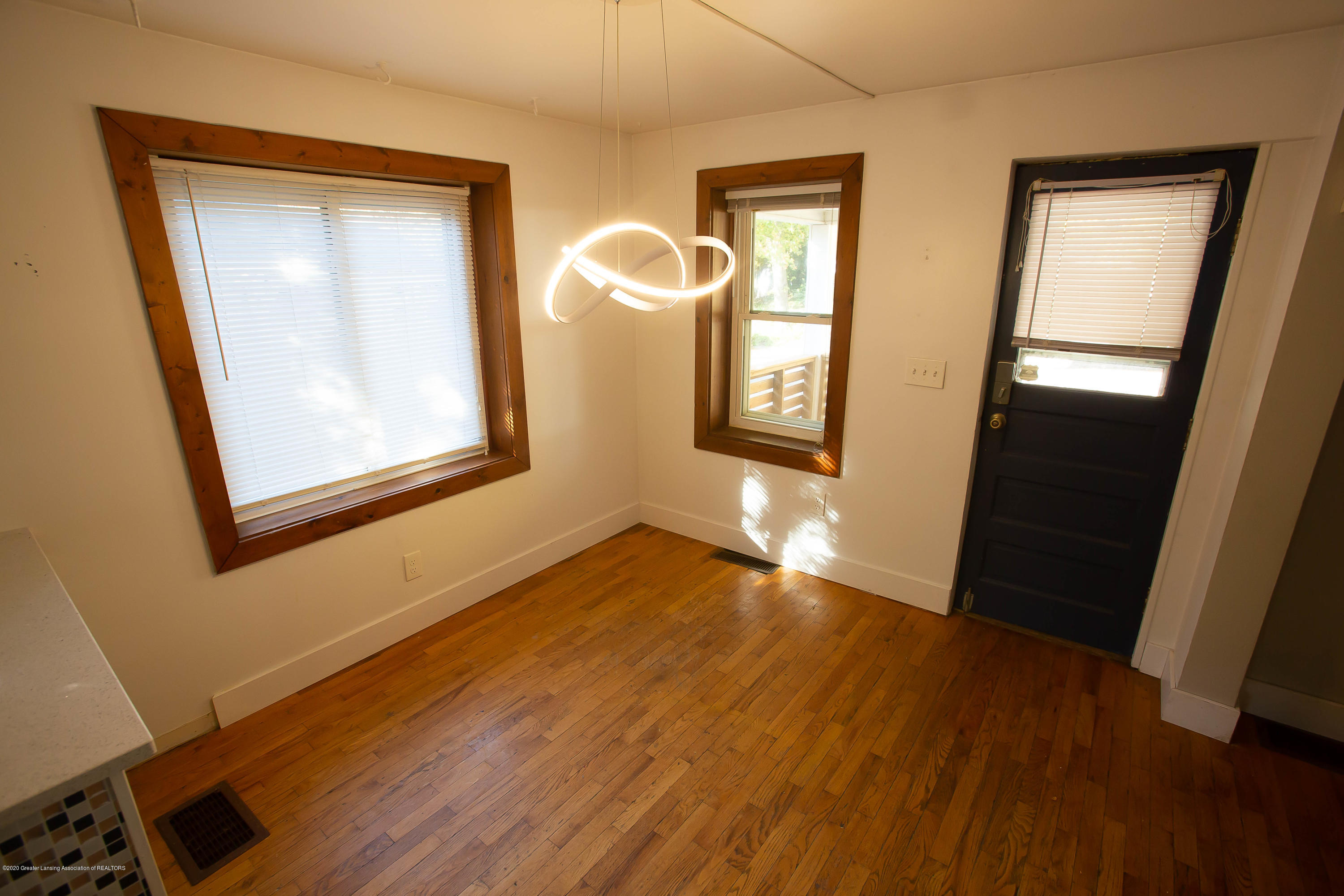 227 S Foster Ave - foster2 (1 of 1) - 3