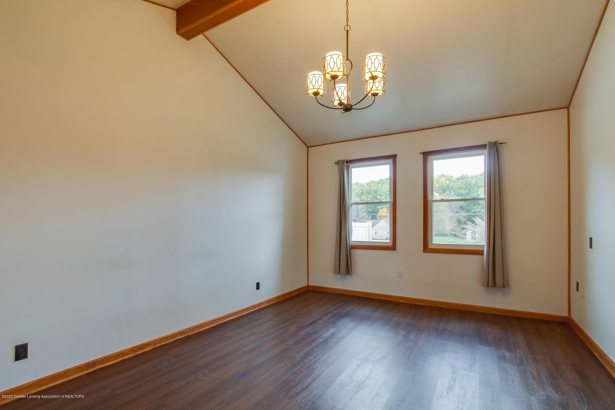 1360 Battle Creek Rd - Sunken family room - 16