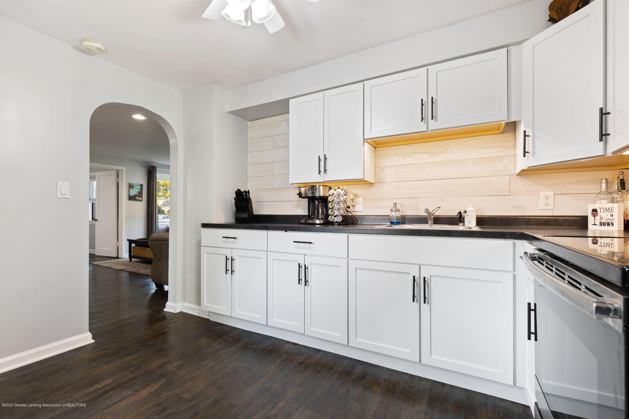 4227 Watson Ave - kitchen - 1