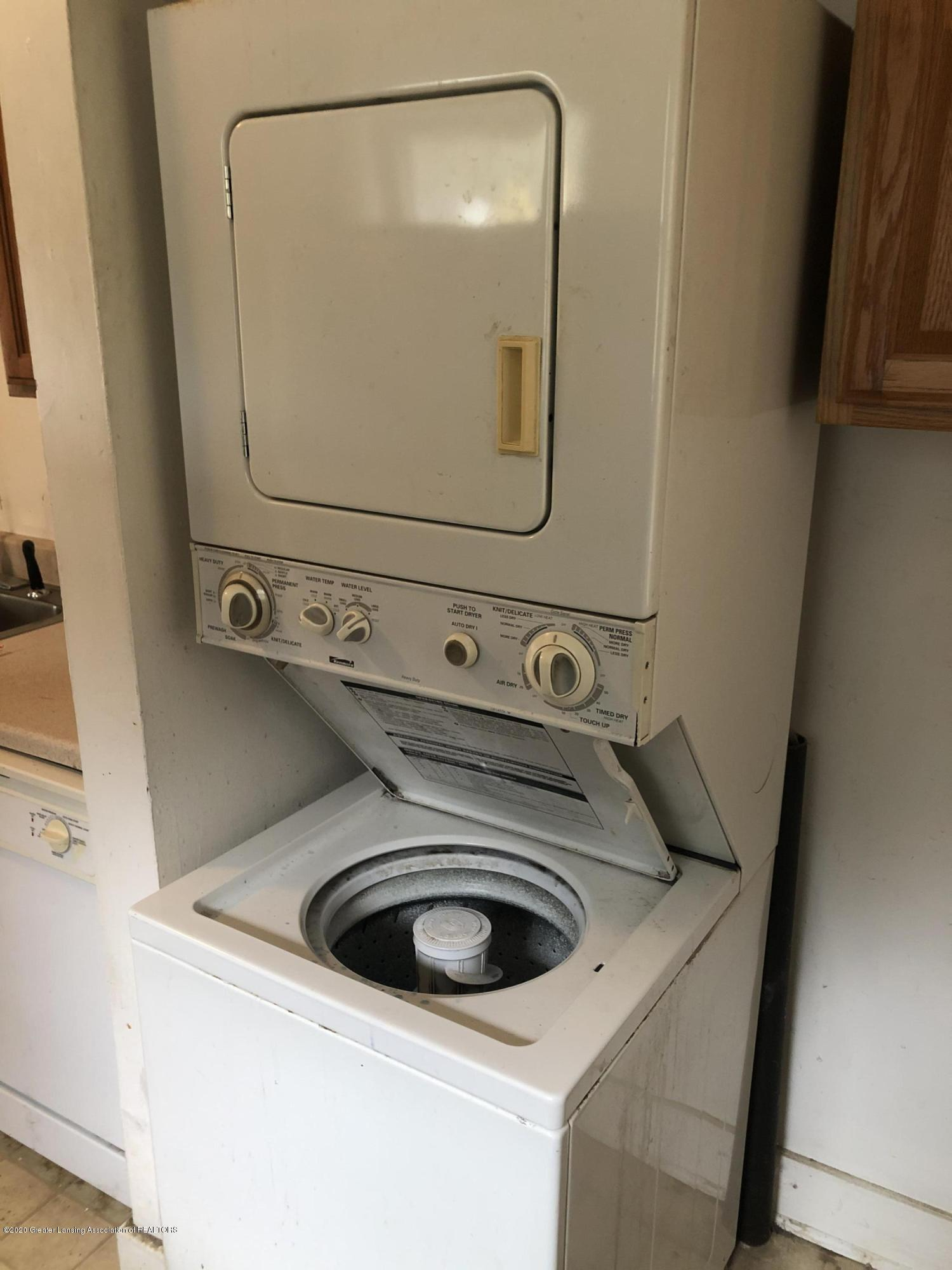 1612 Roselawn Ave - Laundry Room - 11