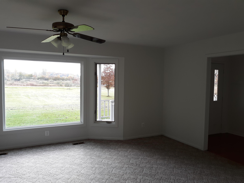 865 Barry Rd - Living Room - 9