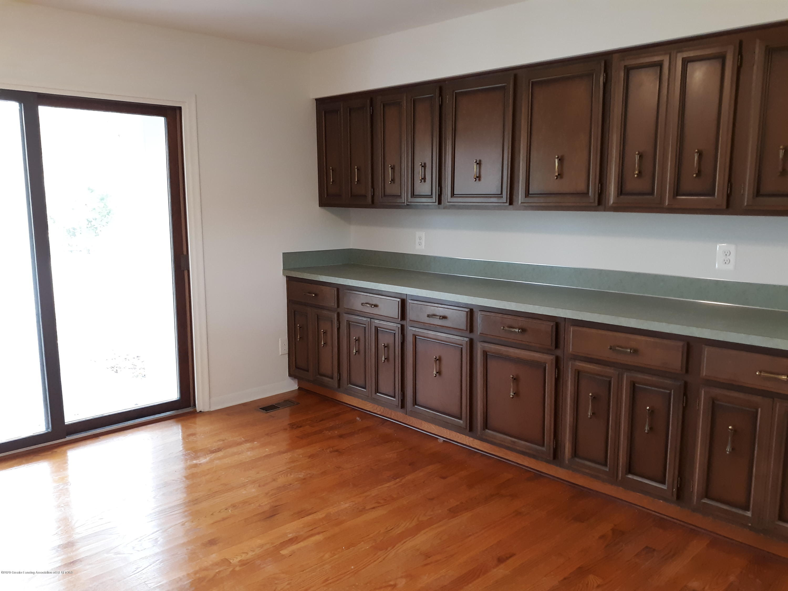 865 Barry Rd - Dining Room - 14