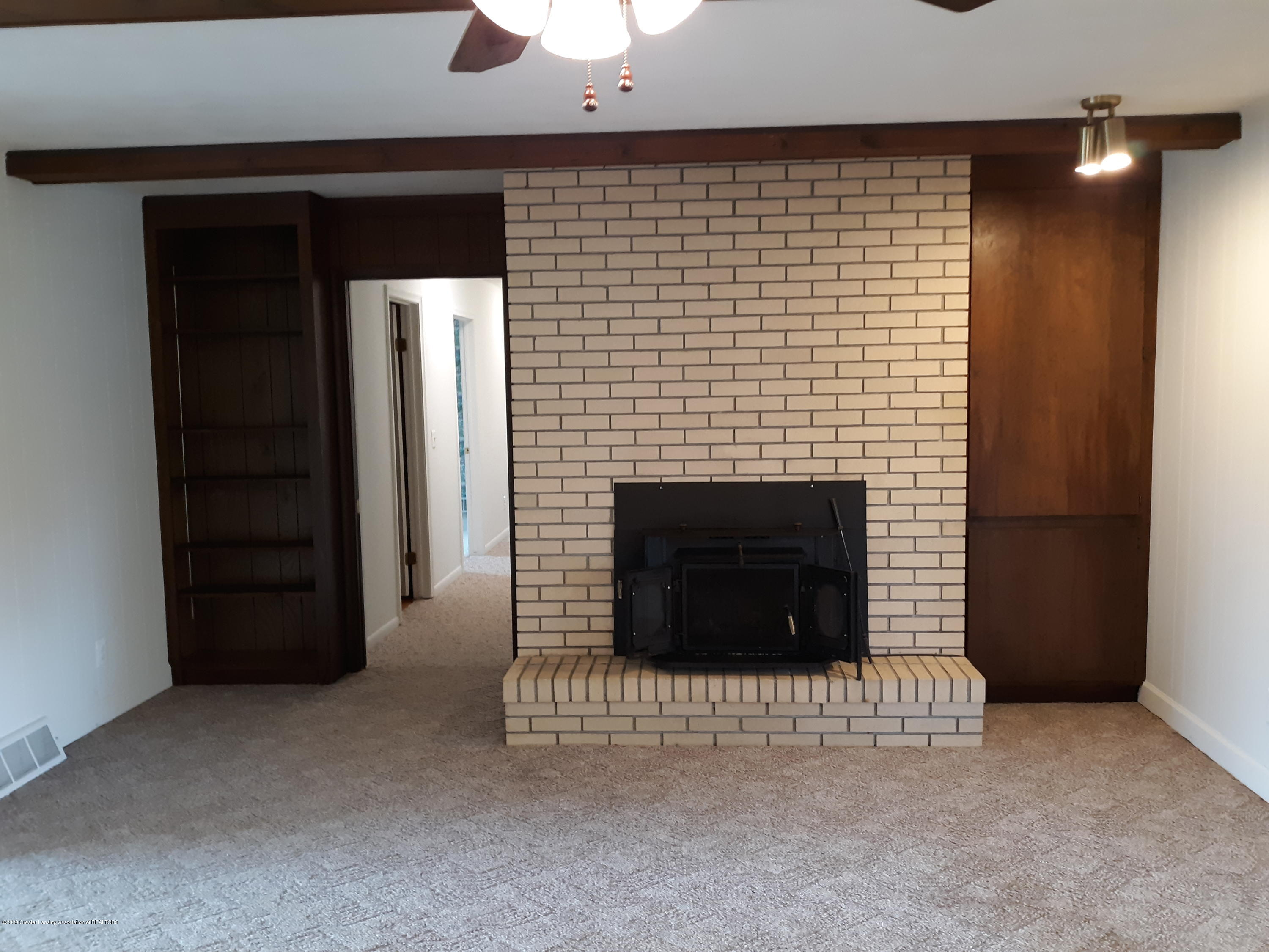 865 Barry Rd - Family Room - 11