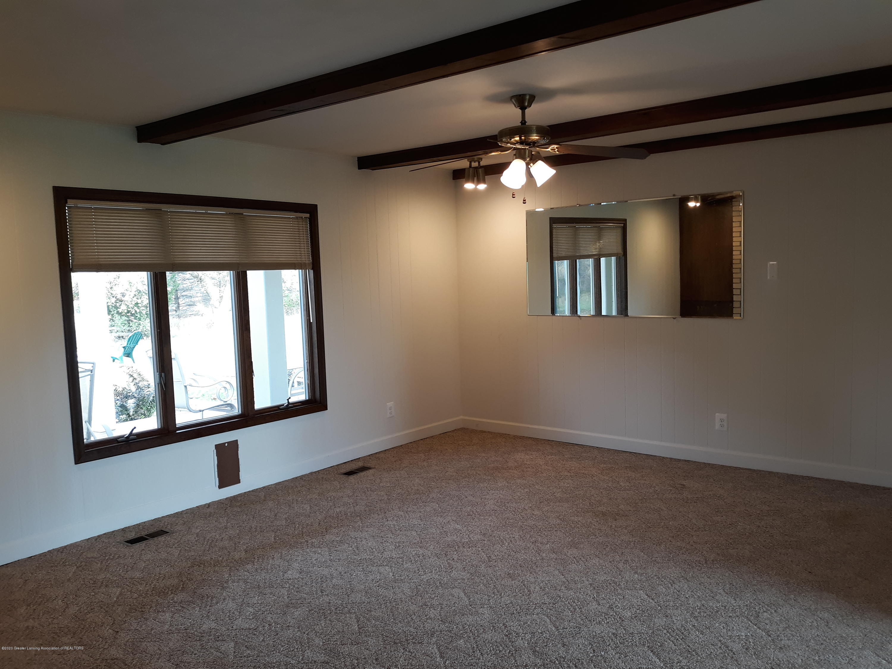 865 Barry Rd - Family Room - 12