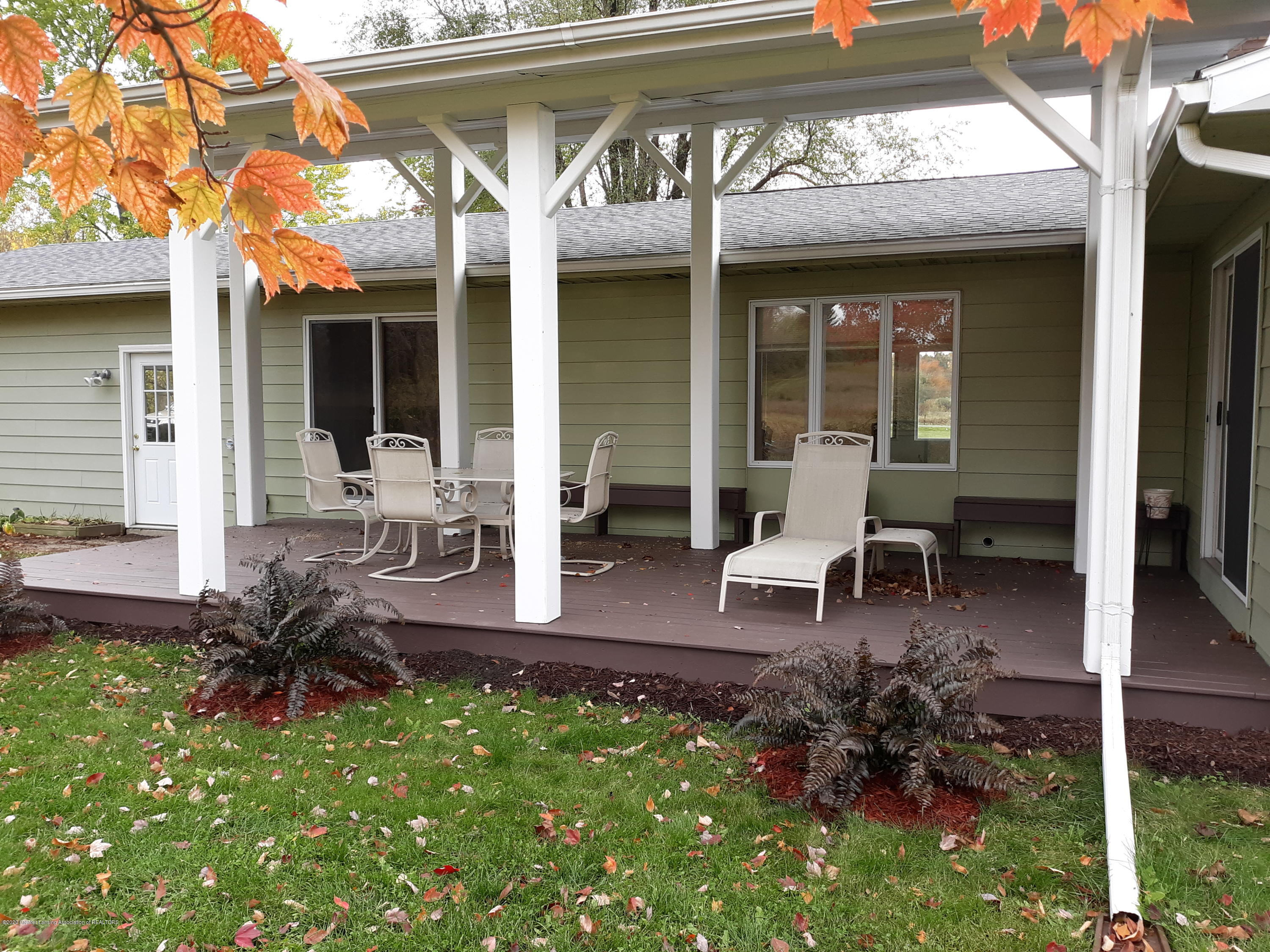 865 Barry Rd - Deck off of Dining Room - 33