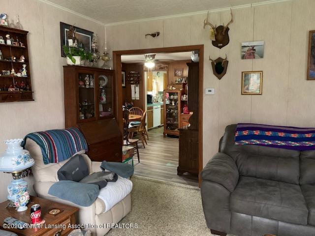 1421 Donald St - Living Room - 10