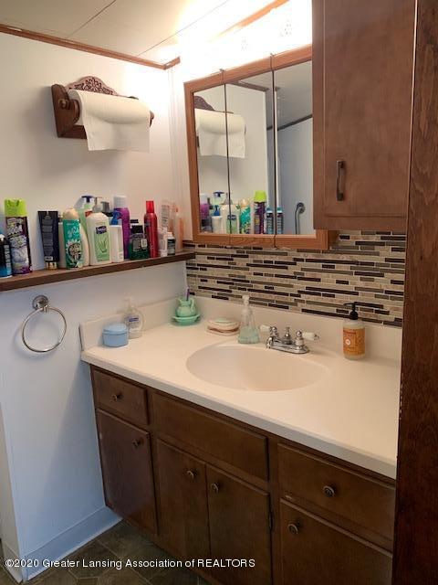 1421 Donald St - Bathroom - 13