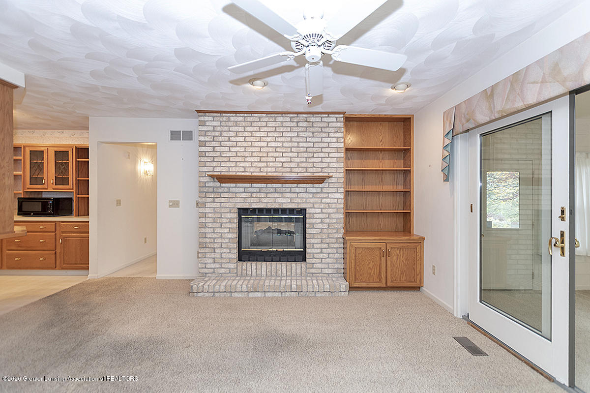 2828 River Pointe Dr - FAMILY ROOM - 6