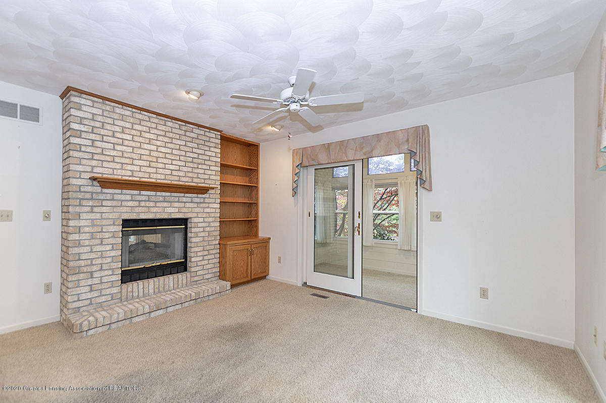 2828 River Pointe Dr - FAMILY ROOM - 8