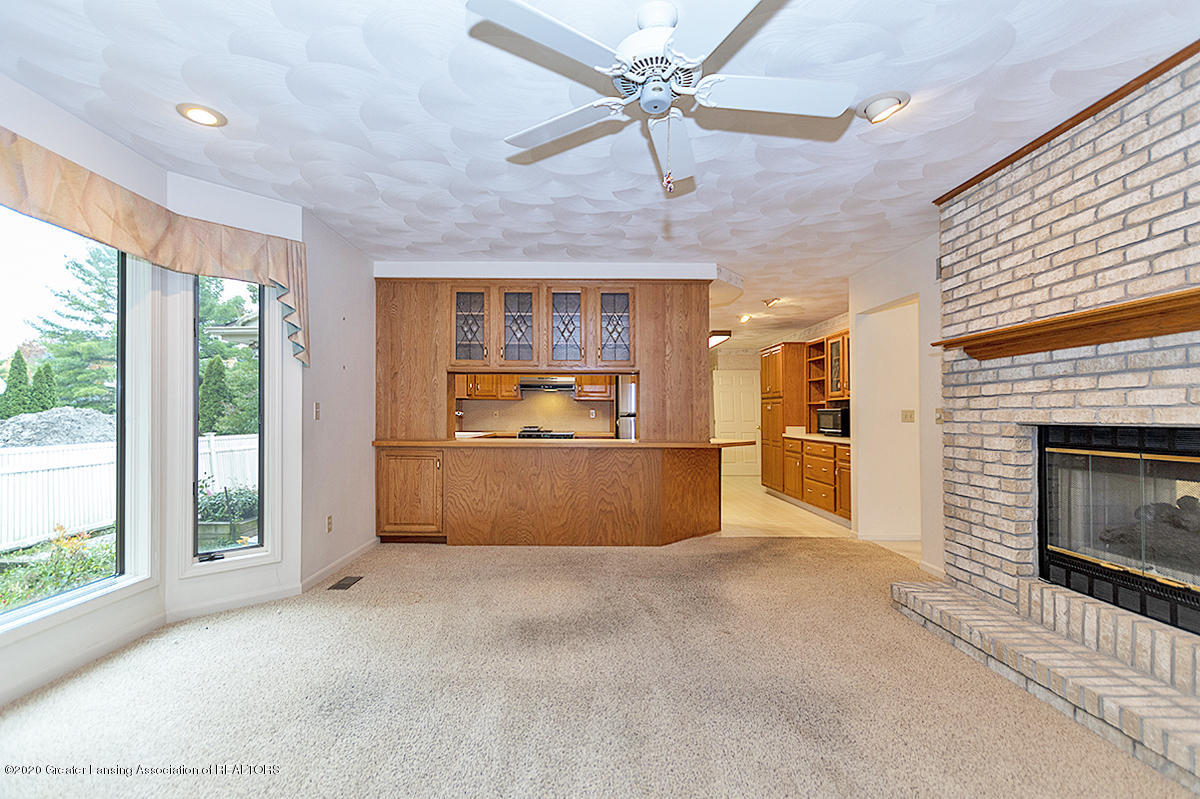 2828 River Pointe Dr - FAMILY ROOM - 9