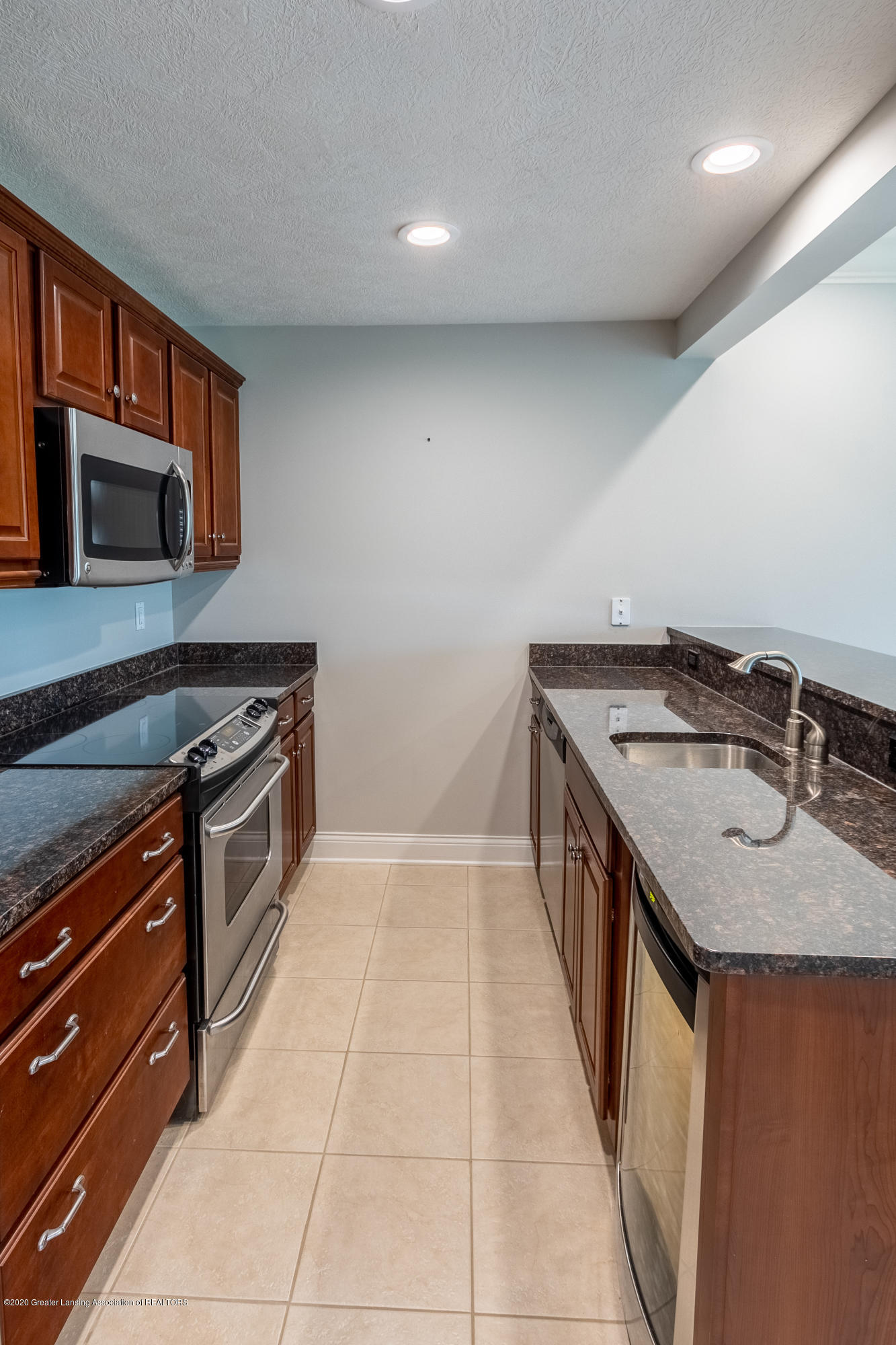 3929 Baulistrol Dr - Lower Level Kitchen - 53