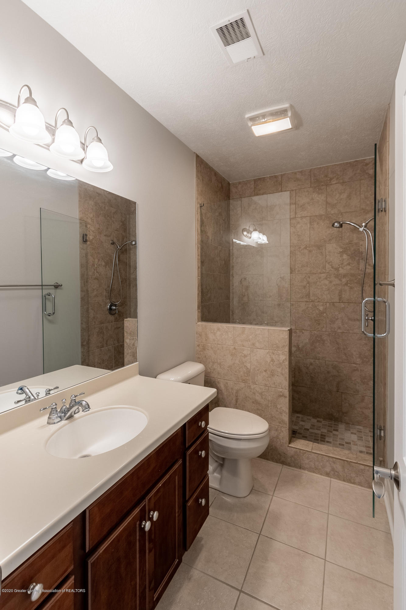 3929 Baulistrol Dr - Full Bath - 65
