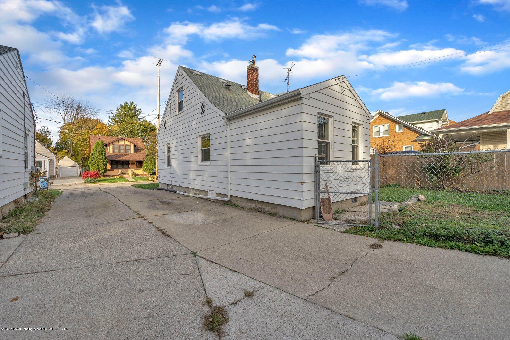1209 Lenore Ave - 36-1209-Lenore-Ave-WindowStill-Real - 36