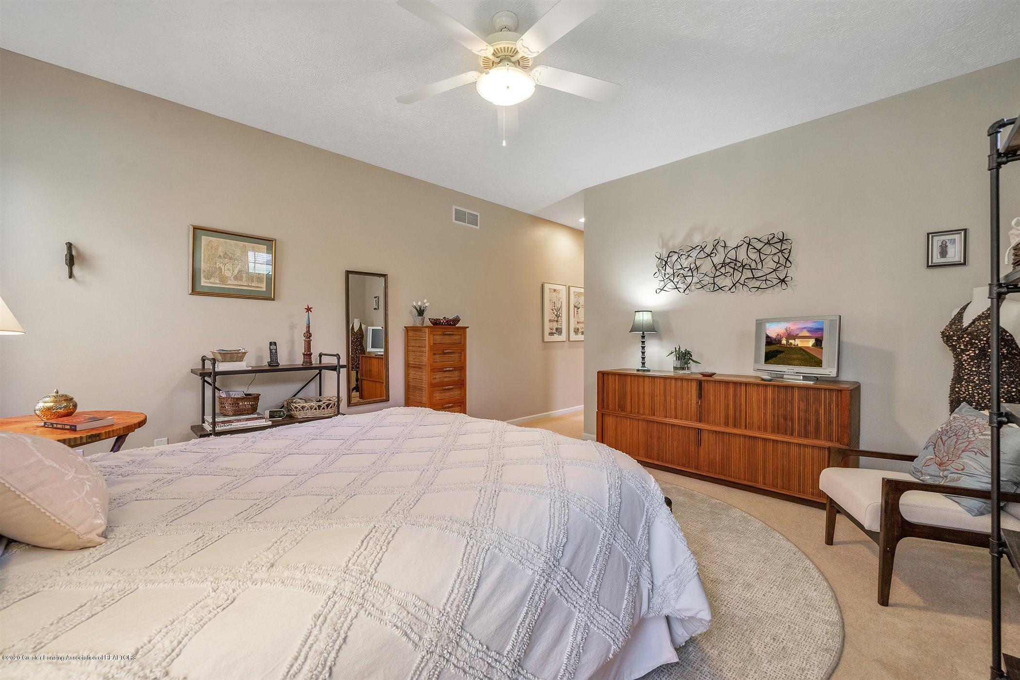 1866 Creek Landing - (21) MAIN FLOOR Master Bedroom - 21