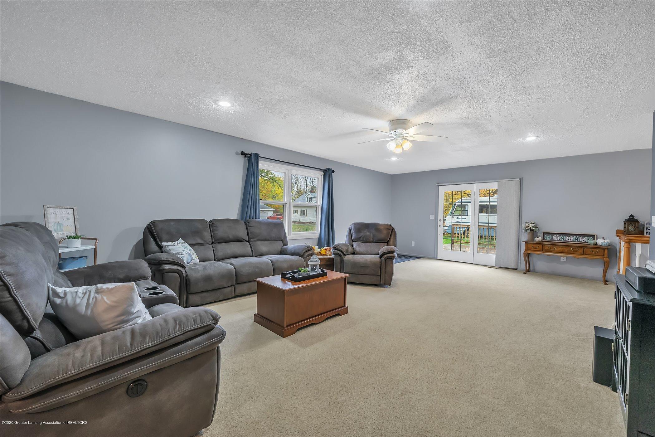 328 E 2nd St - (8) MAIN FLOOR Living Room - 9