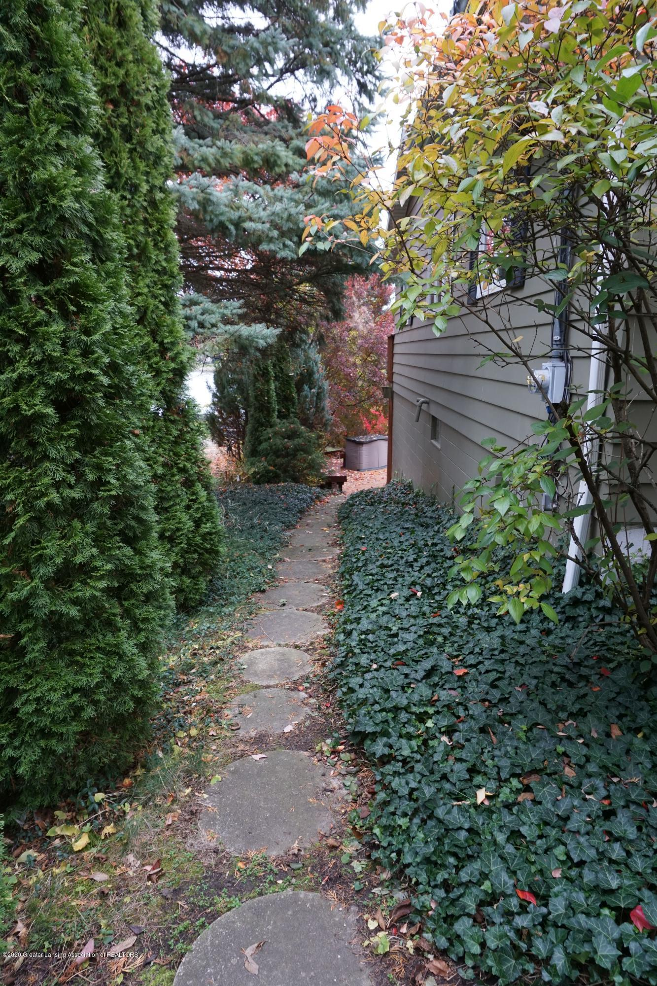 6733 Westgate Dr - Path to back yard - 28