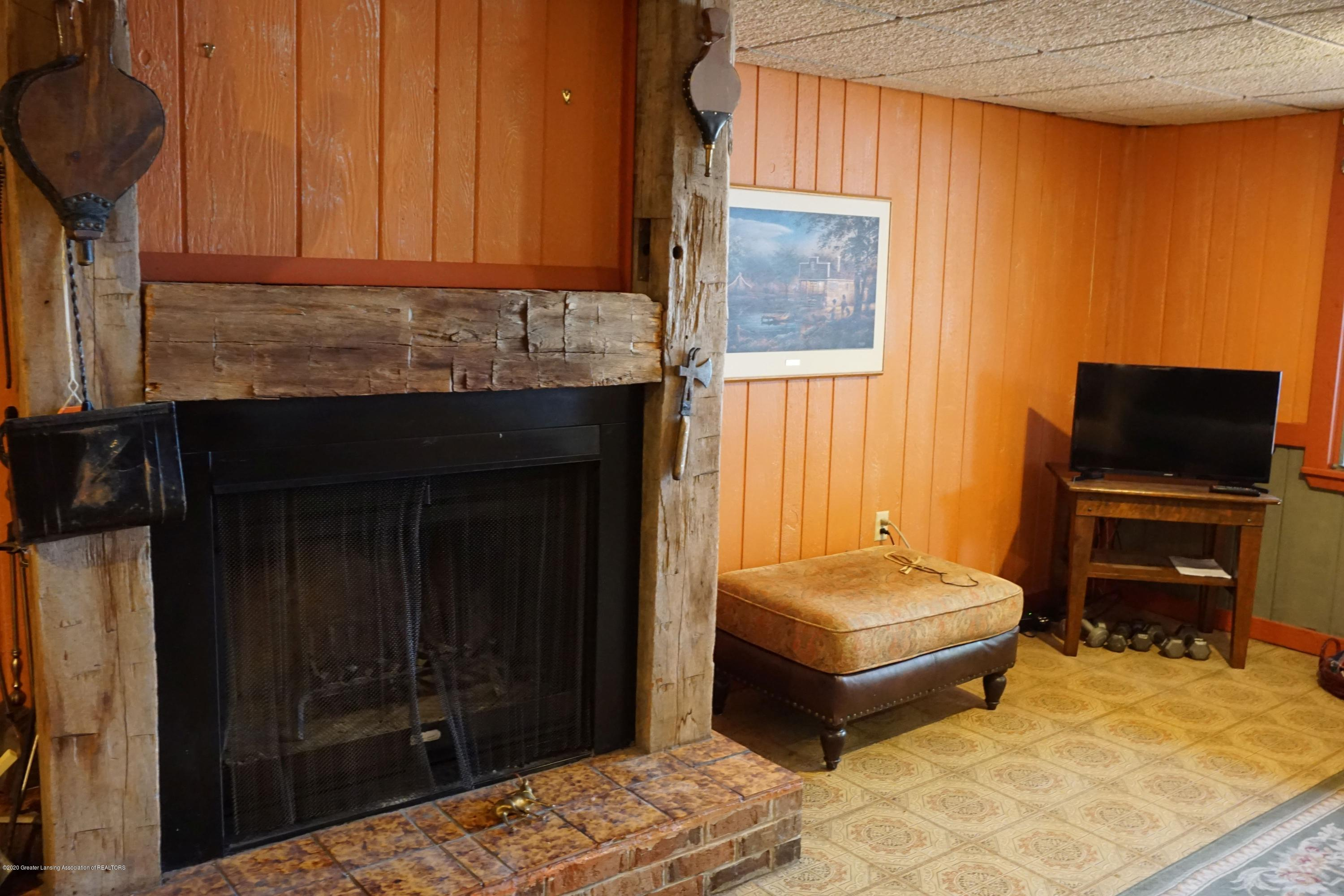 6733 Westgate Dr - Wood Fireplace - 33