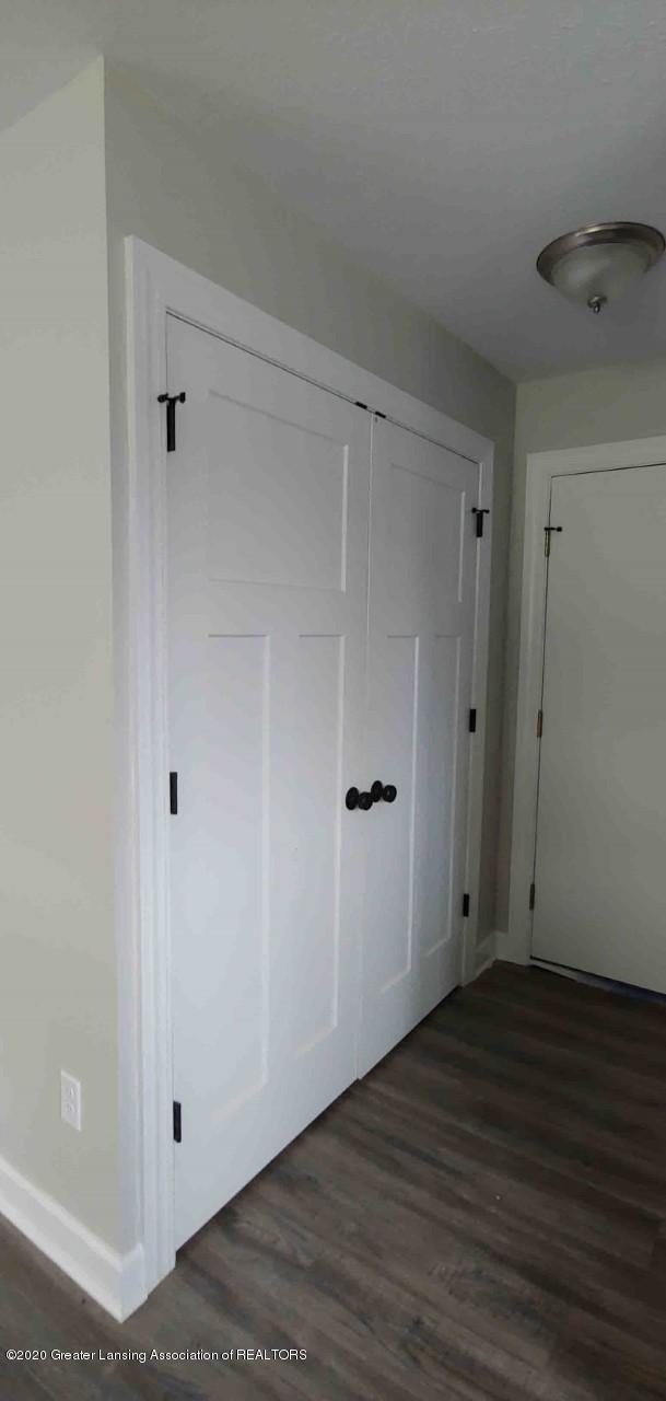 1003 E Sturgis St - thumbnail_Sturgis 1003  Lau doors - 2