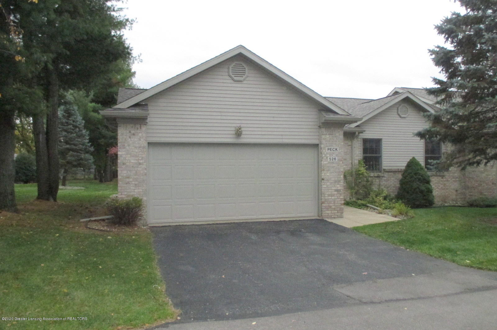 526 Emerald Dr  - IMG_0922 - 2