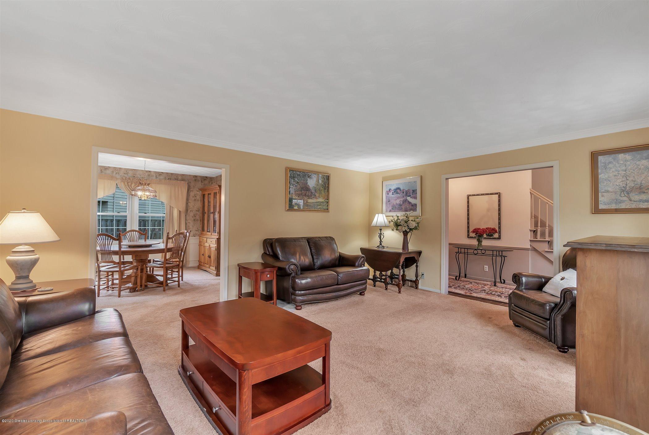 2098 Butternut Dr - Living Room - 8