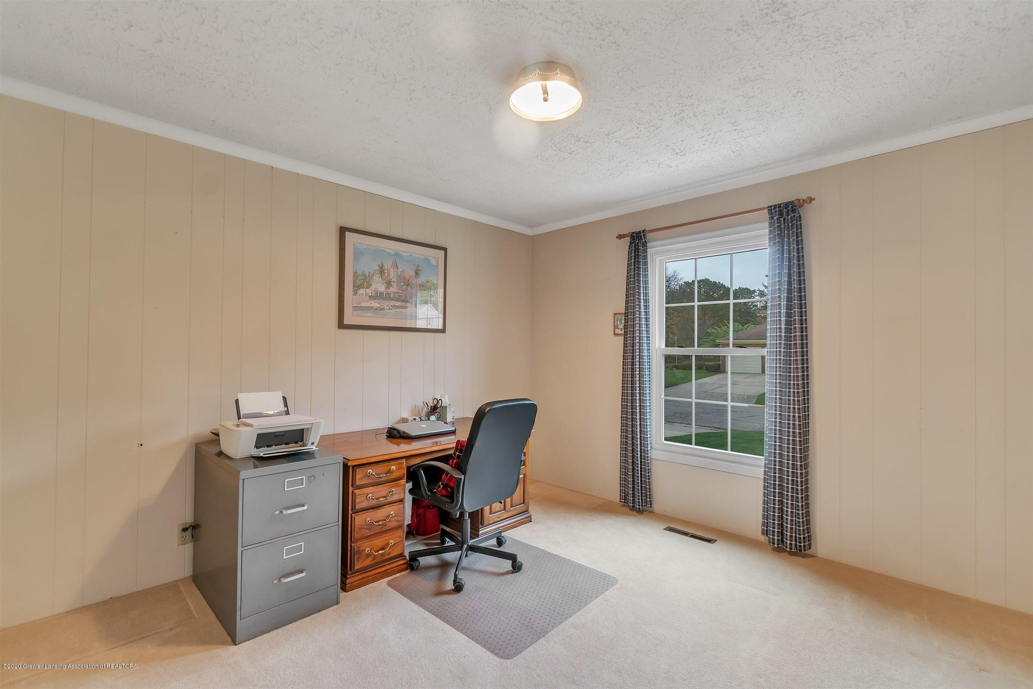 2098 Butternut Dr - first floor den or possible bedroom - 21