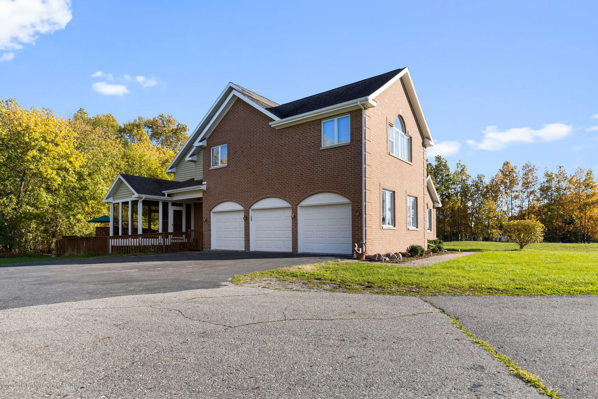 300 Jolly Rd - 15-web-or-mls-1P6A8576 - 15