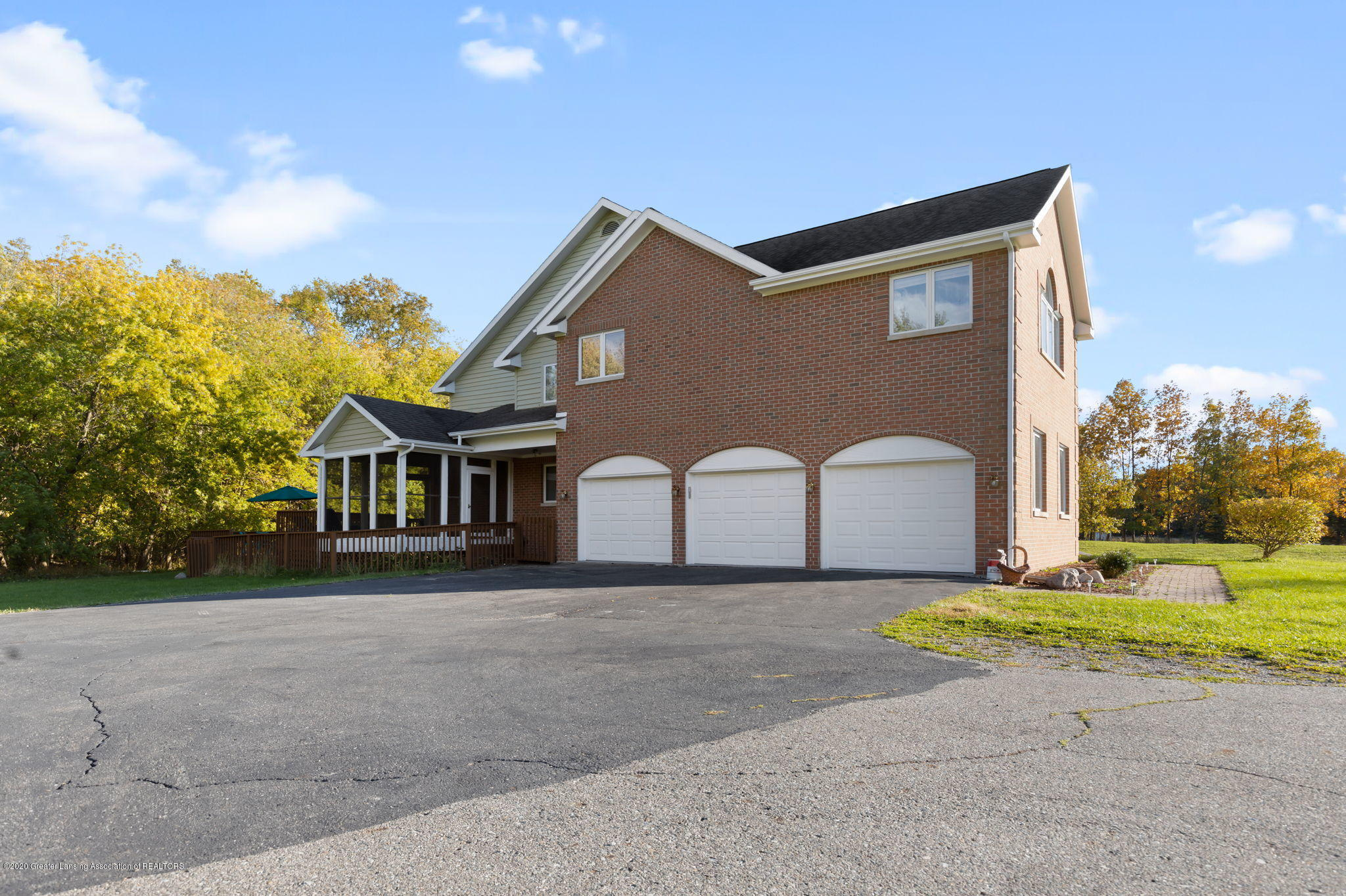 300 Jolly Rd - 16-web-or-mls-1P6A8596 - 16
