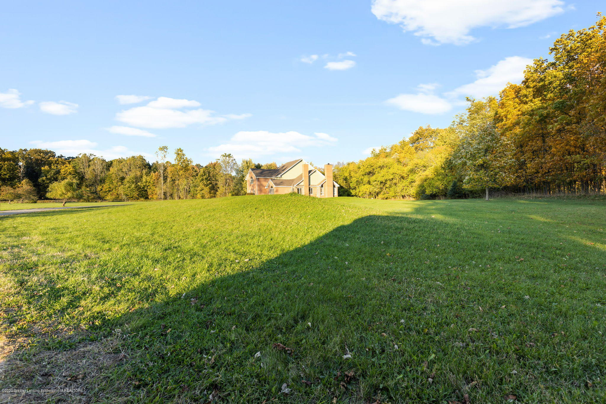 300 Jolly Rd - 18-web-or-mls-1P6A8762 - 18