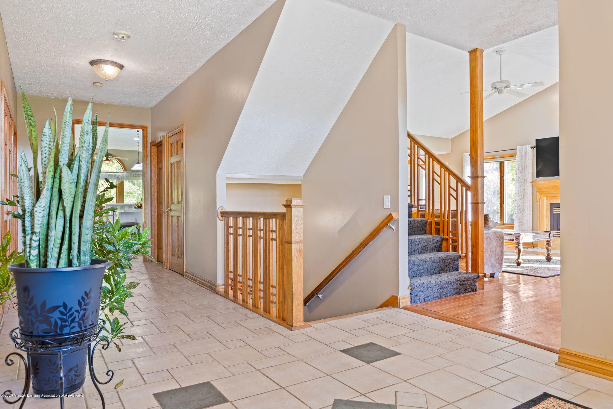 300 Jolly Rd - 30-web-or-mls-1P6A8620 - 30