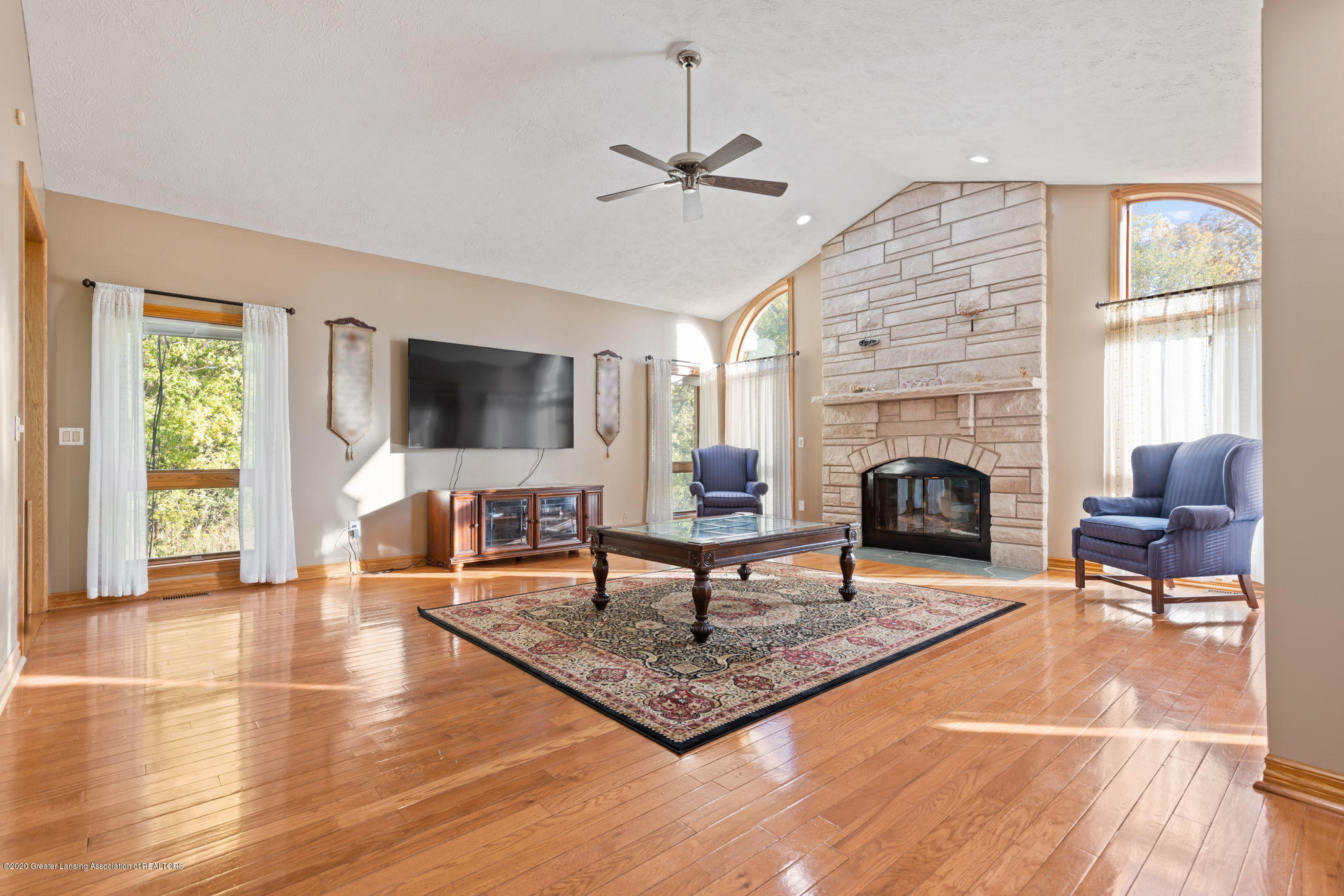 300 Jolly Rd - 37-web-or-mls-1P6A8638 - 37