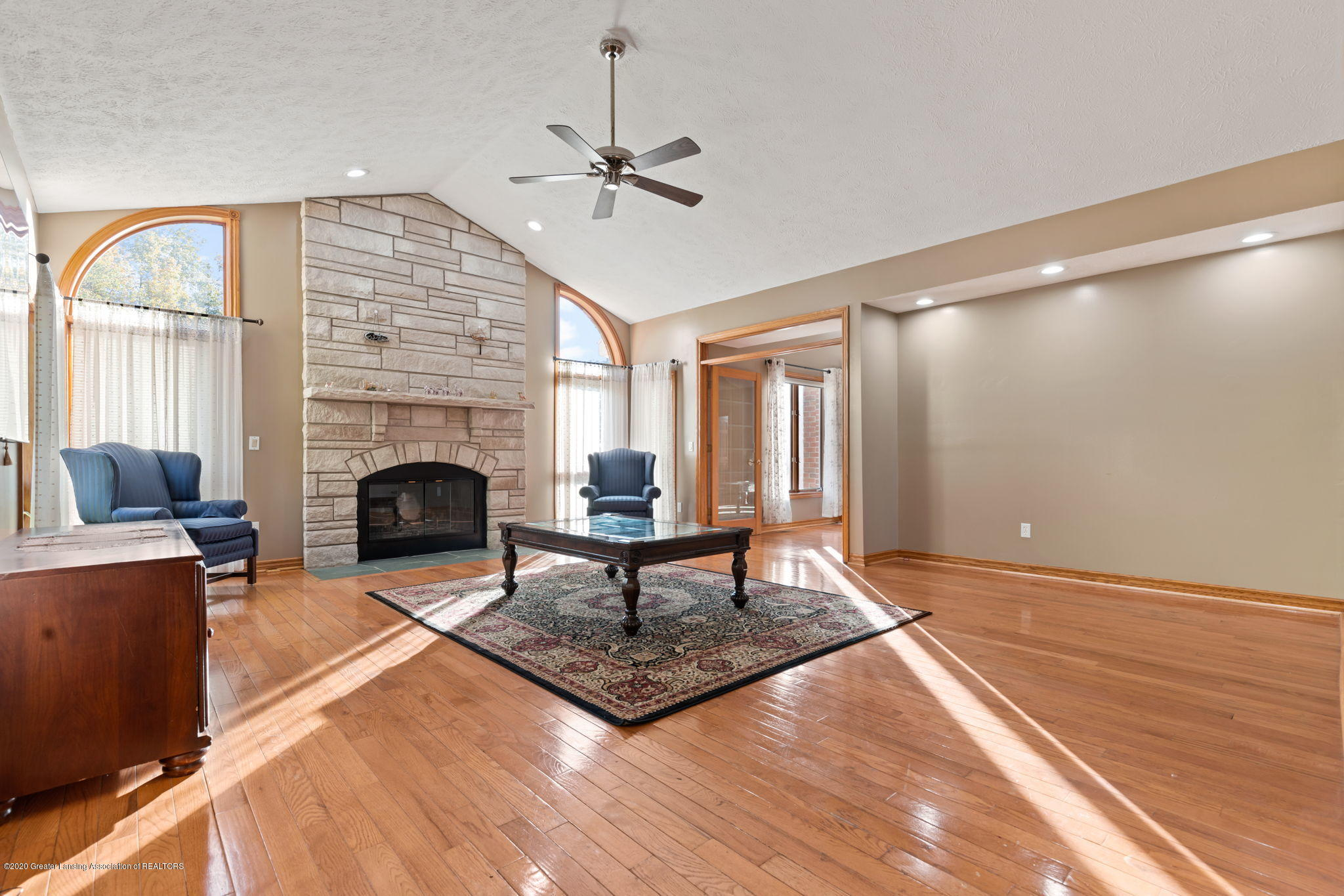 300 Jolly Rd - 38-web-or-mls-1P6A8644 - 38