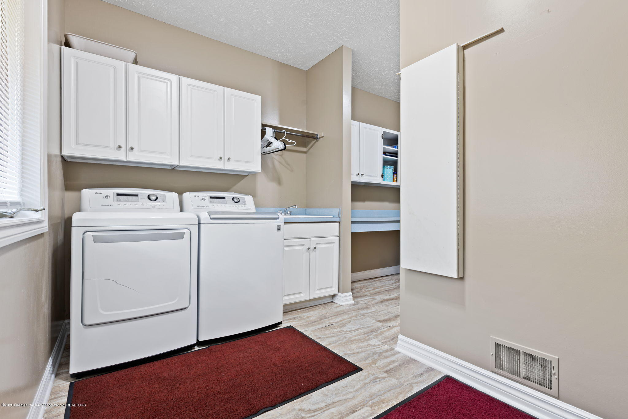 300 Jolly Rd - 47-web-or-mls-1P6A8677 - 47