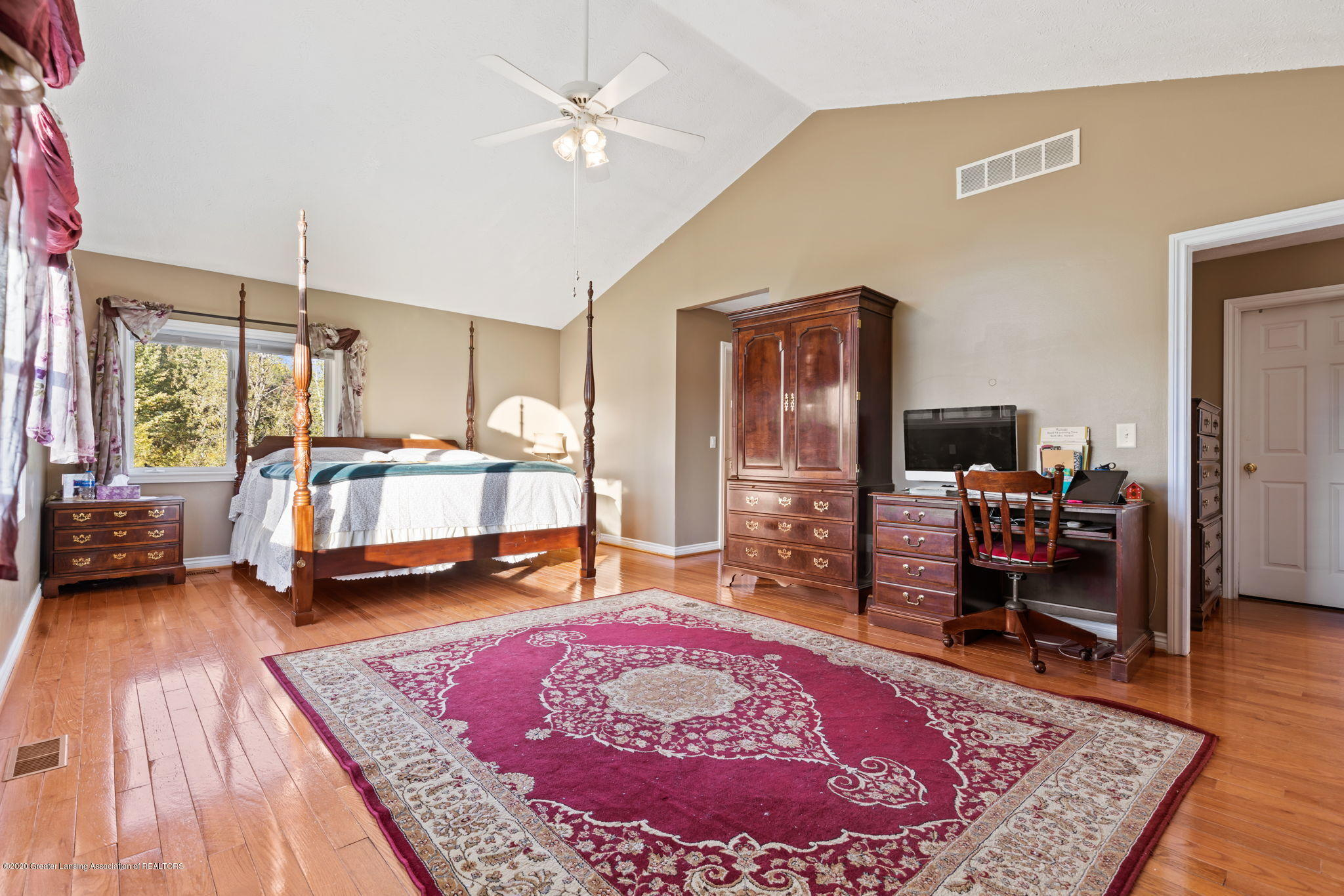 300 Jolly Rd - 50-web-or-mls-1P6A8692 - 50