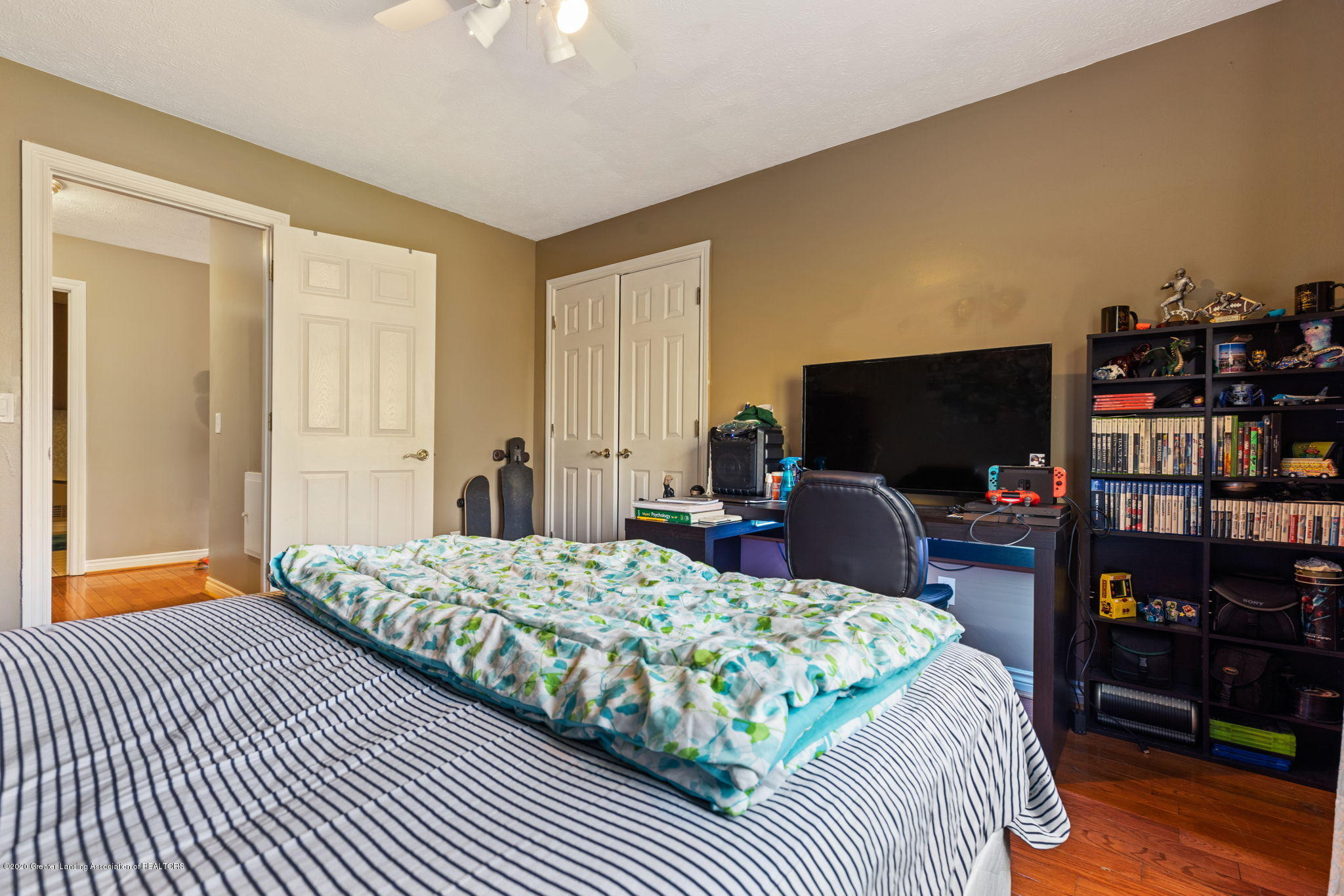 300 Jolly Rd - 62-web-or-mls-1P6A8734 - 62