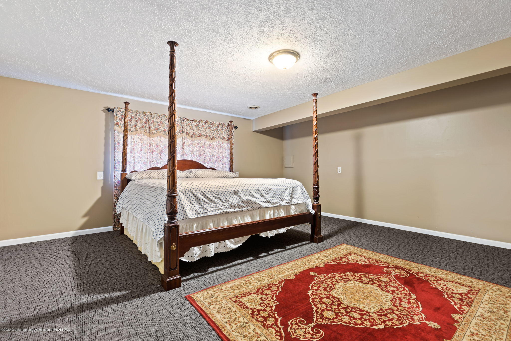 300 Jolly Rd - 66-web-or-mls-1P6A8746 - 66
