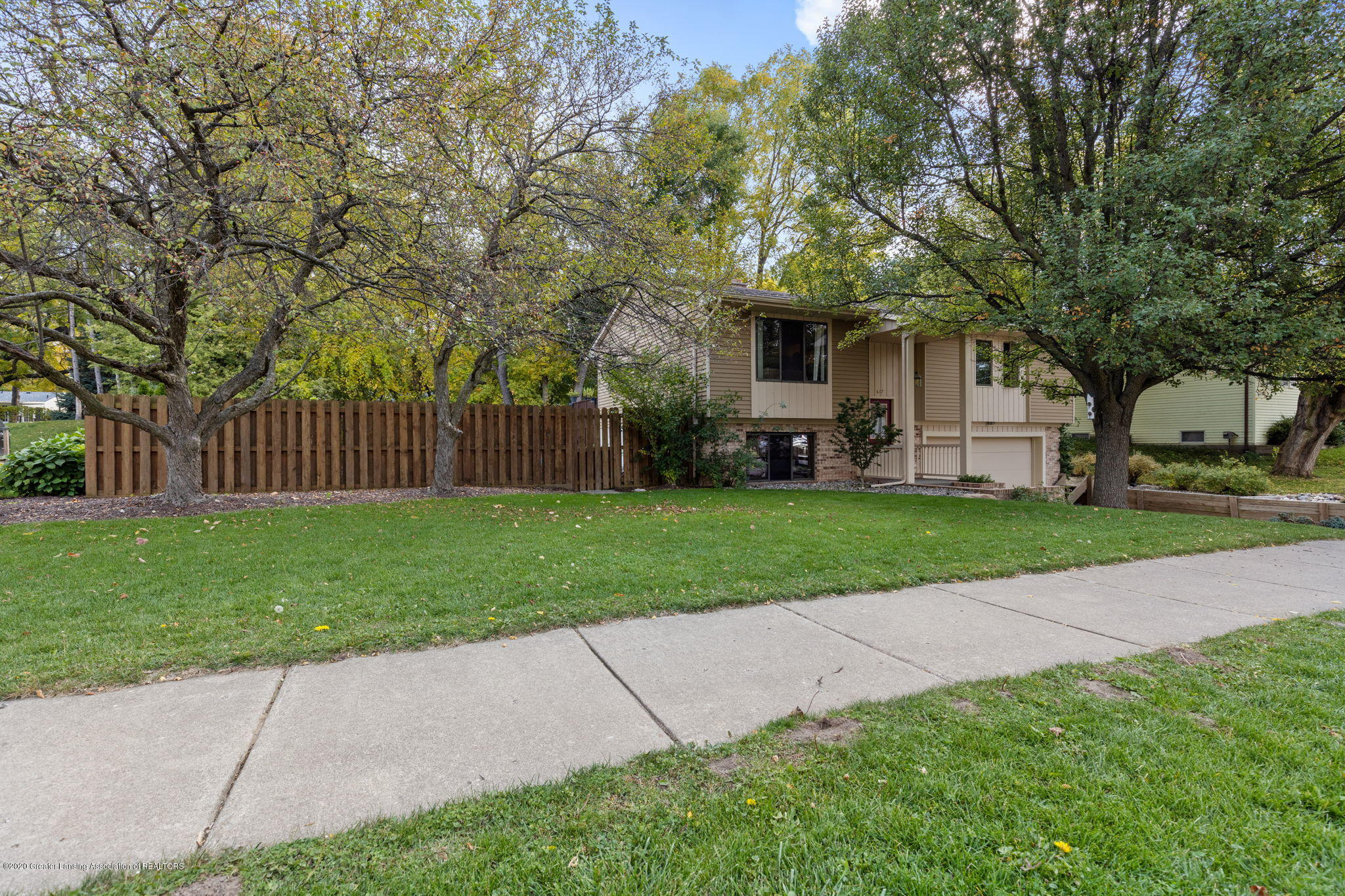 617 Green St - 4-web-or-mls-1P6A9410 - 4