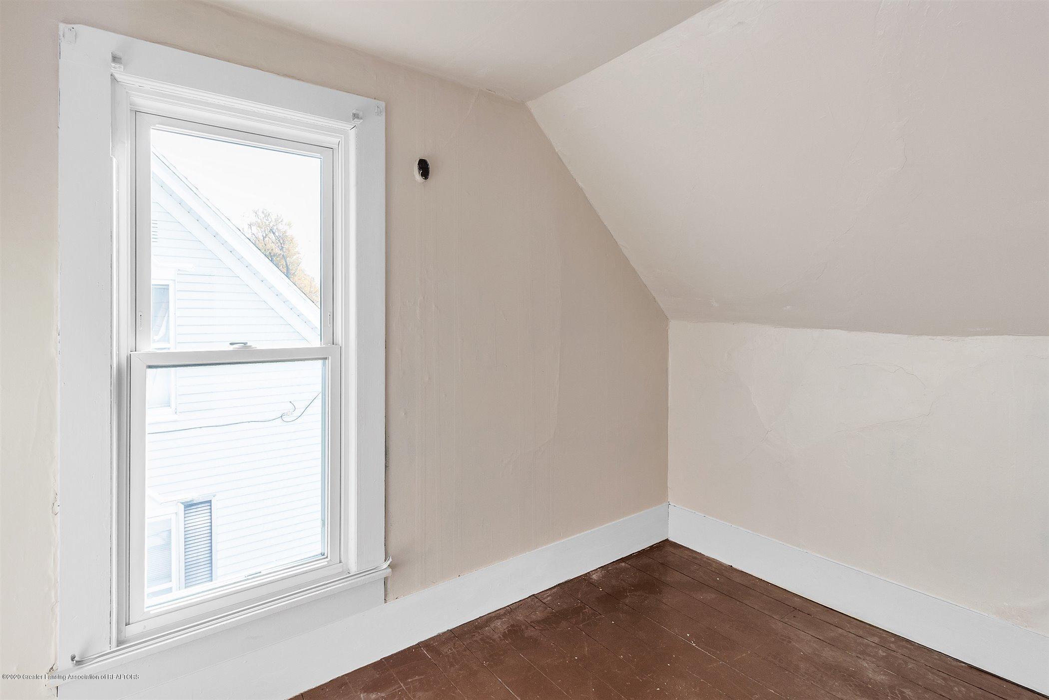 114 E Knight St - Upstairs bedroom #1 - 22